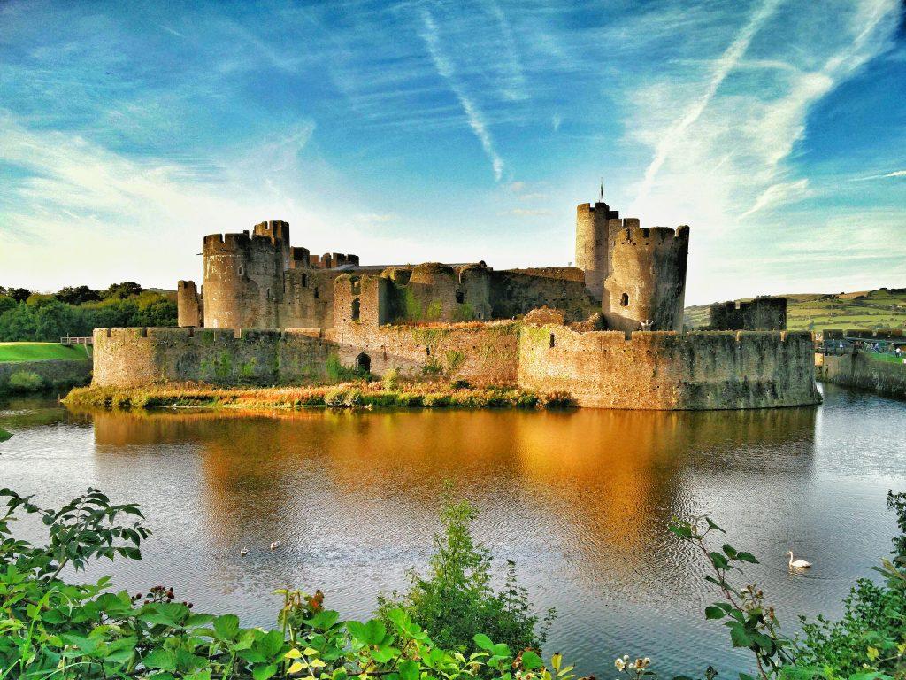 caerphilly-castle-september-2016-sunset