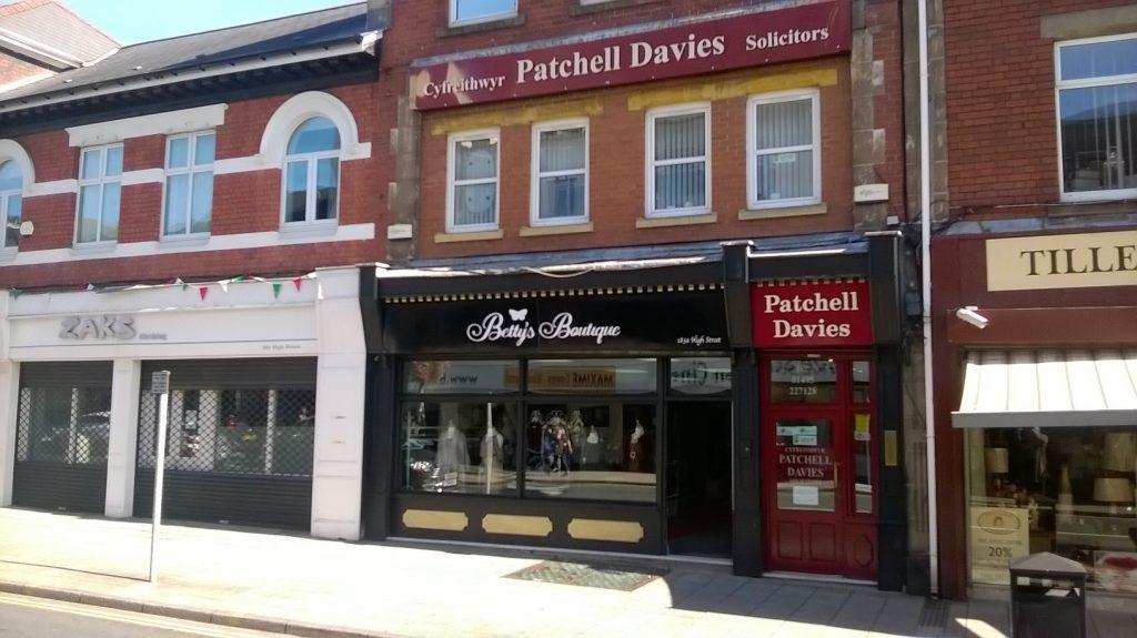 Betty's Boutique - Shop front